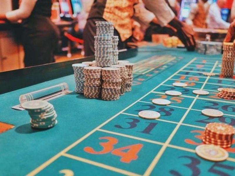 Guide on How to Make a Casino Website: Features, Obstacles, and More