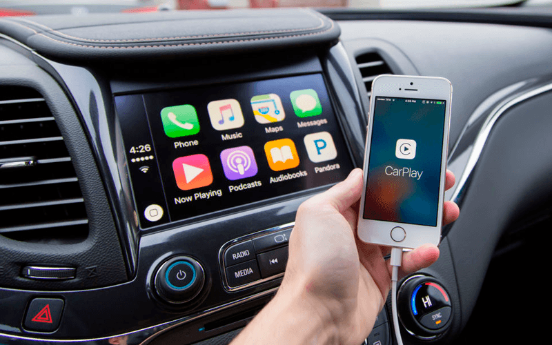 iPhone CarPlay apps interaction
